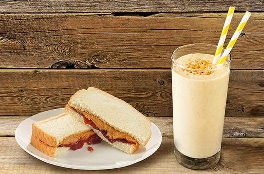 Peanut Cookie and Jelly Shake